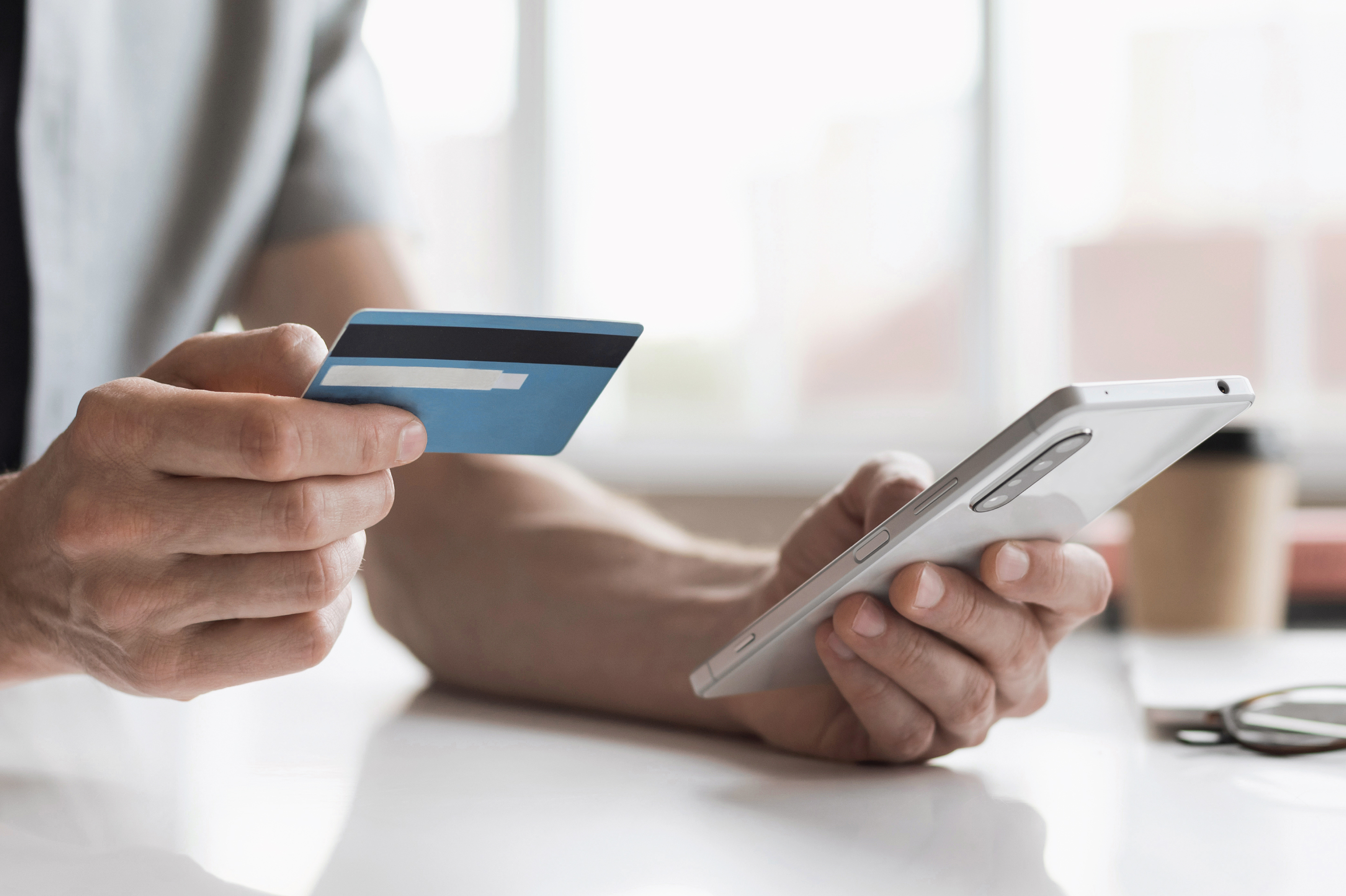 making a payment on a smart phone using a credit card